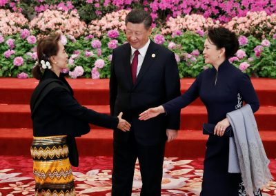 Former Myanmar State Counsellor Aung San Suu Kyi (L) arrives to attend a welcoming banquet for the Belt and Road Forum hosted by Chinese President Xi Jinping and his wife Peng Liyuan at the Great Hall of the People in Beijing, China, 26 April, 2019 (Photo: Reuters/Jason Lee/Pool).